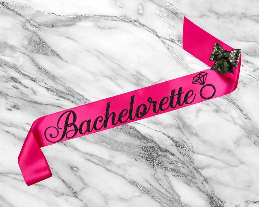 Свадьба - Bachelorette Sash, Bridal Shower Sash, Bride To Be Sash Bachelorette, Bride Sash, Custom Glitter Satin Sash