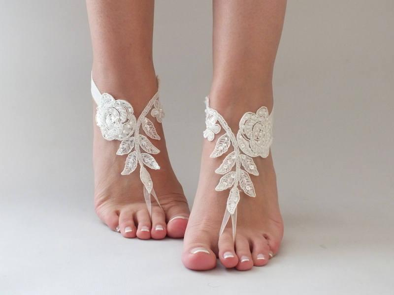 Hochzeit - Free Ship White or ivory lace barefoot sandals Beach wedding barefoot sandals, Flexible wrist lace sandals - $25.00 USD