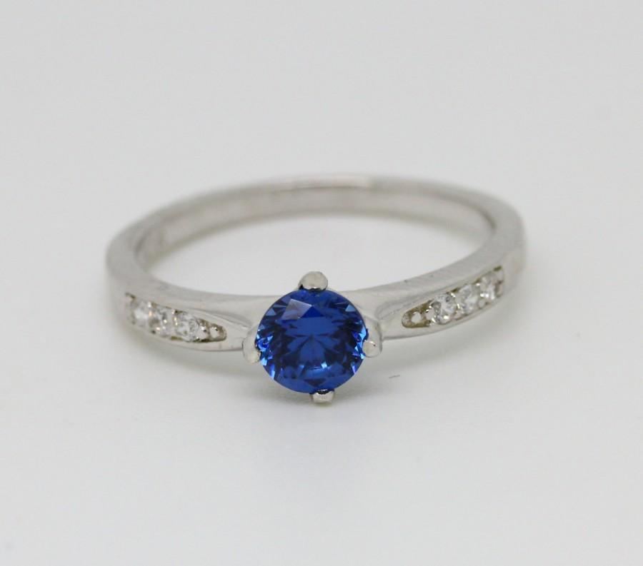 Mariage - Lab Blue sapphire solitaire ring - available in white gold or sterling silver - engagement ring - wedding ring
