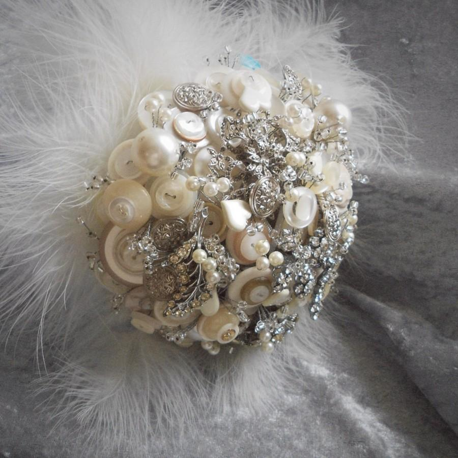 Свадьба - Vintage brooch and button bouquet