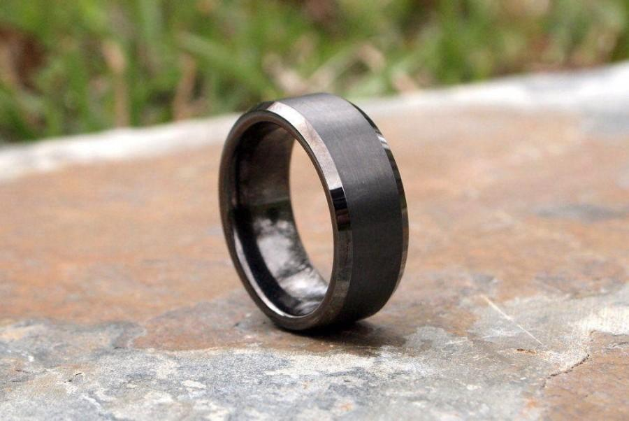 Mariage - SALE!! SALE!! Gunmetal Beveled Edge Brushed and Polished Tungsten Carbide Ring • Men's 8mm Wedding Band • Size 8-11.5 • (SKU: 348GUP)
