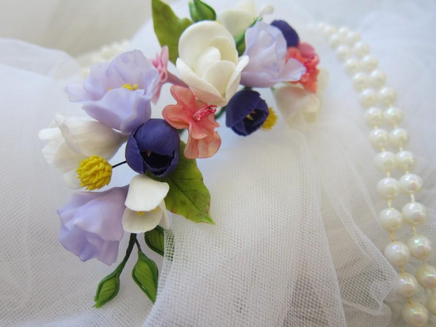 Mariage - Bridal flower pins, set of 3 pins, wedding hair pins, bridal hair flowers, purple eustoma, white freesia, yellow kraspediya,cold porcelain