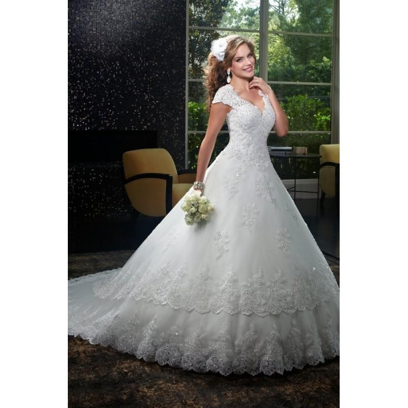 Style 6401 By Mary S Bridal Chapel Length V Neck Lacetulle
