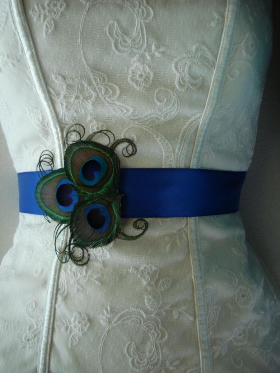 Mariage - Peacock Wedding Bridal Sash or Belt, Peacock Bridesmaid or Flower Girl Sash, Peacock Feather Sash, Custom Colored Peacock Satin Sash or Belt
