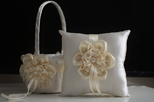 Свадьба - Ivory Ring Bearer and Ivory Wedding Basket  Cream Wedding Ring Pillow & Flower Girl Basket  Wedding Ring Holder   Petals Basket Pillow Set