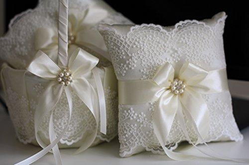 Mariage - Lace Wedding Pillow, Ivory Wedding Basket, Ivory Flower Girl Basket, ivory Ring bearer Pillow, Beige Wedding Pillow Basket Set, Lace Bearer