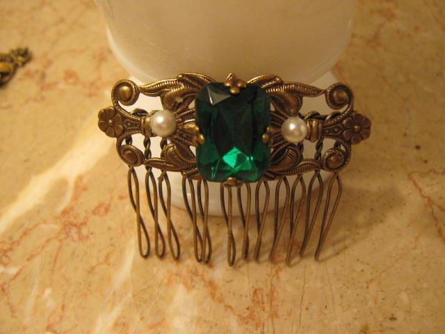 Свадьба - EMERALD GREEN Hair comb Bridal comb Victorian Brass ox Filigree comb Victorian Art Deco  Art Nouveau style wedding comb
