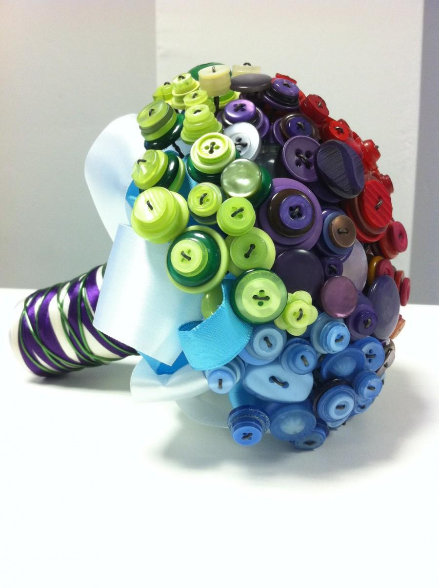 Mariage - Amazing OOAK 'Above the bright Rainbow' vintage and new Button Wedding Bouquet