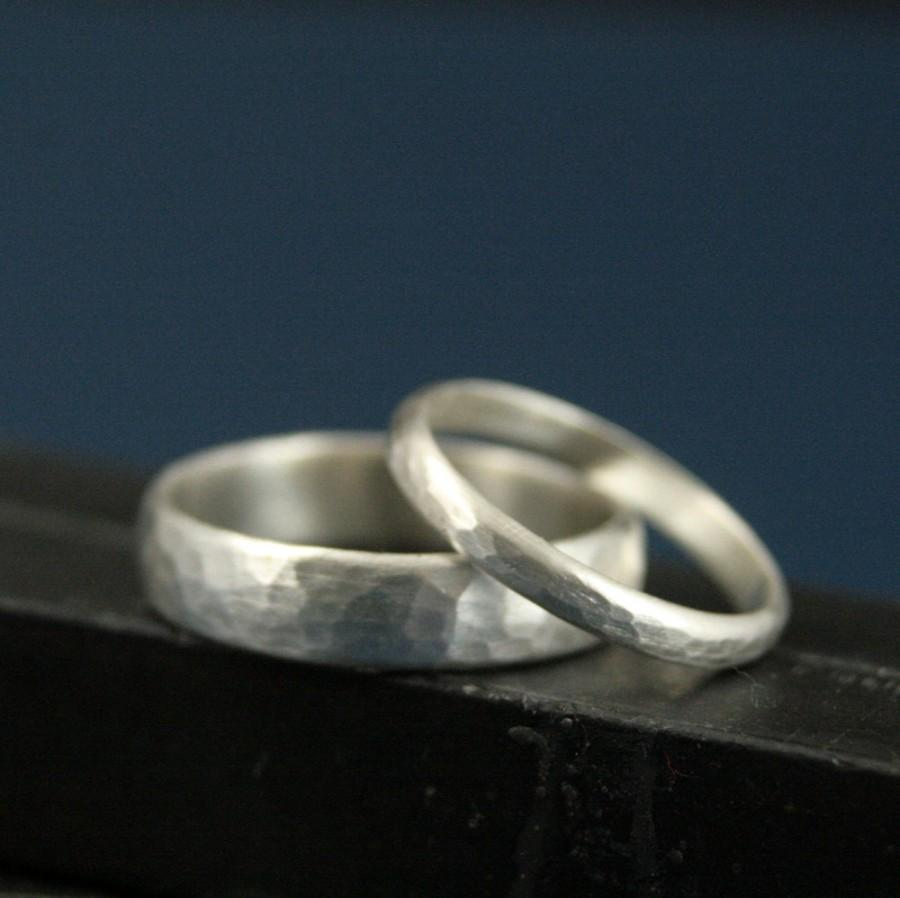 Свадьба - Perfect Hammered Bands--His and Hers Silver Wedding Rings--Wedding Band Set--Simple and Unique--Solid Sterling Silver Hammered Bands