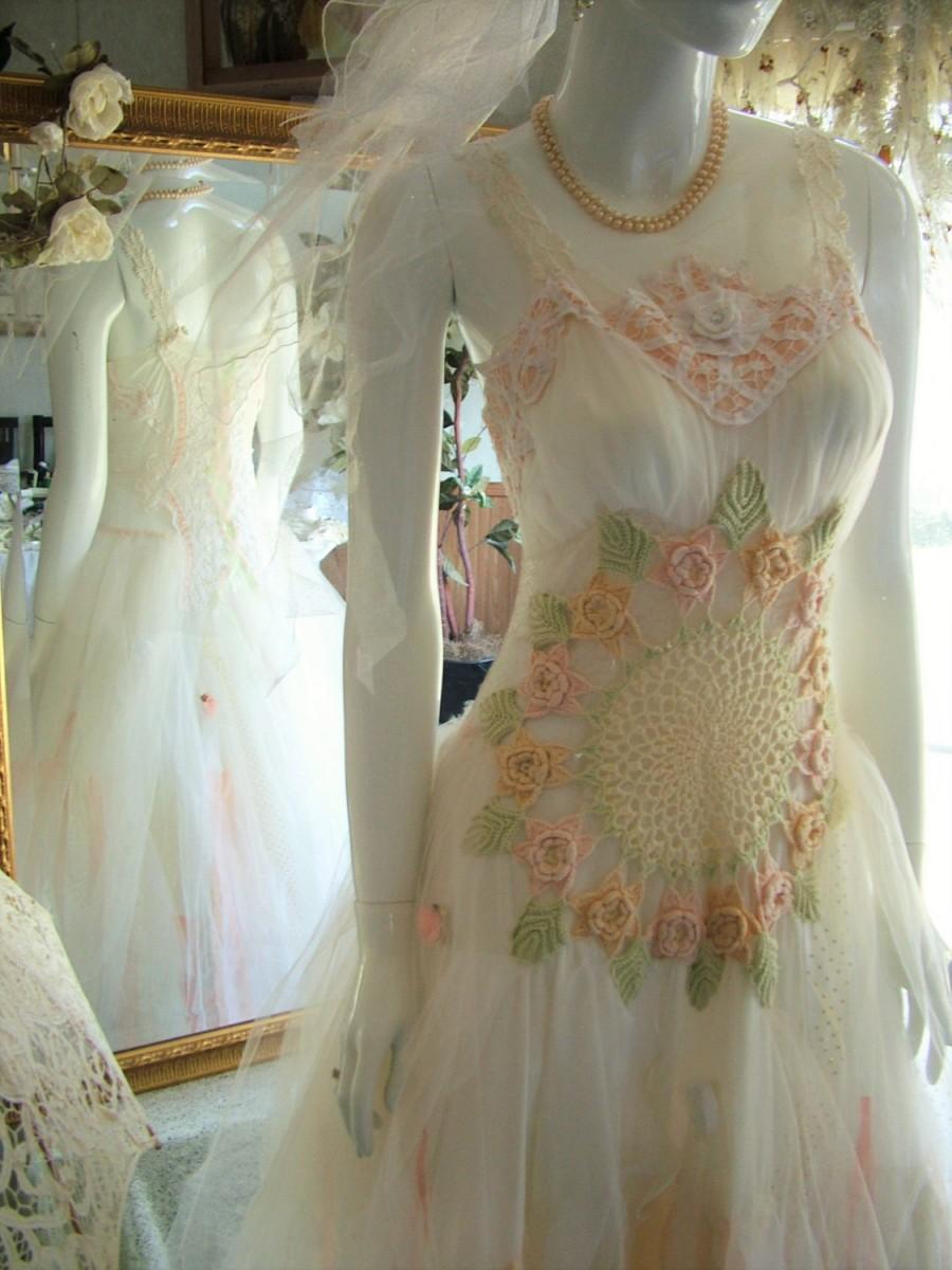 Size 7 - 10. Beige Peach White Shabby Chic Victorian Edwardian ...