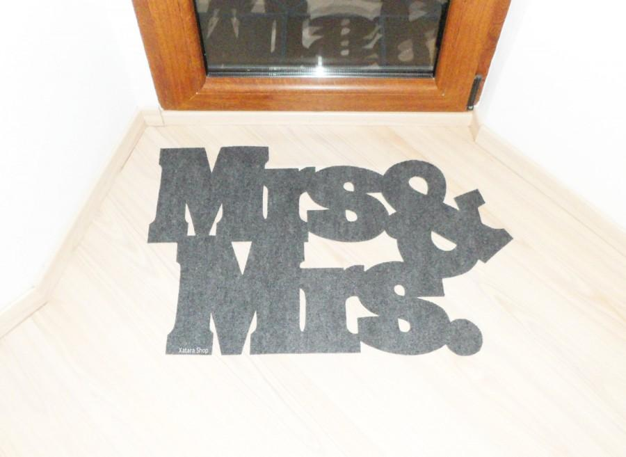 Mariage - Mrs & Mrs. floor mat. Lesbian couple, marriage home decor. The best wedding gift. Unique and original home decor
