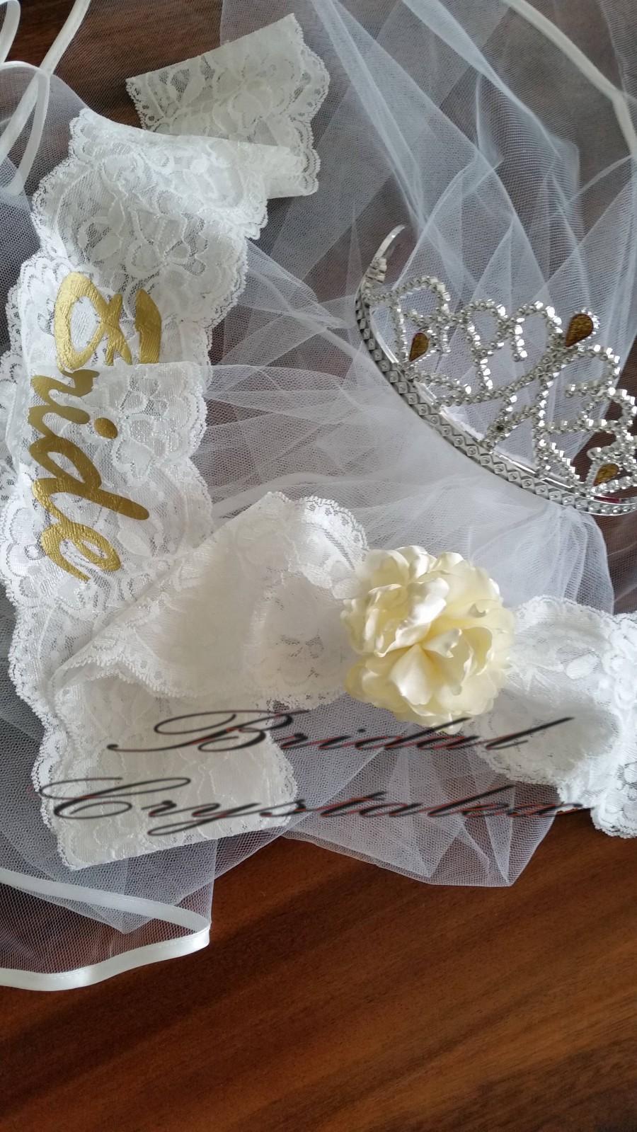 Hochzeit - Bachelorette Party Wedding Veil and White & Gold Bride Sash