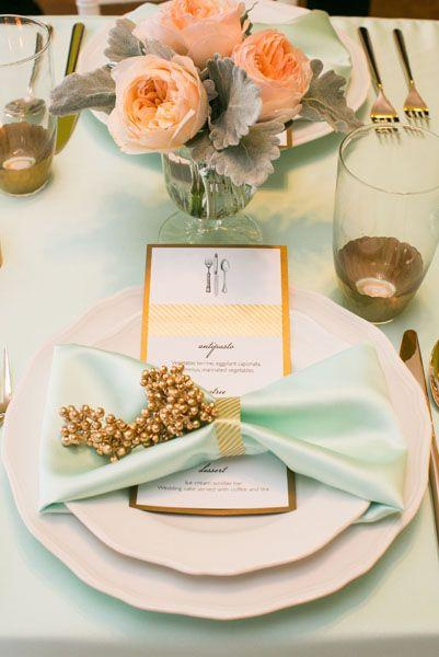 Boda - Mint, Gold, Cream, And Peach Tablescape