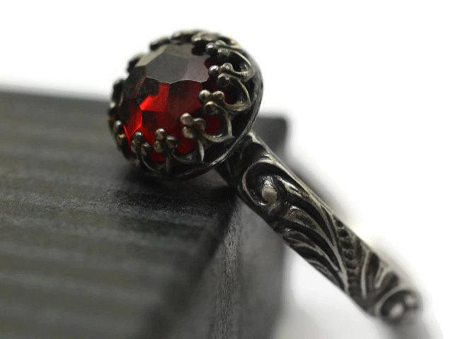 زفاف - Custom Garnet Engagement Ring, Gothic Oxidized Silver Baroque Style Band, Engraved Women's Natural Red Gemstone Jewelry