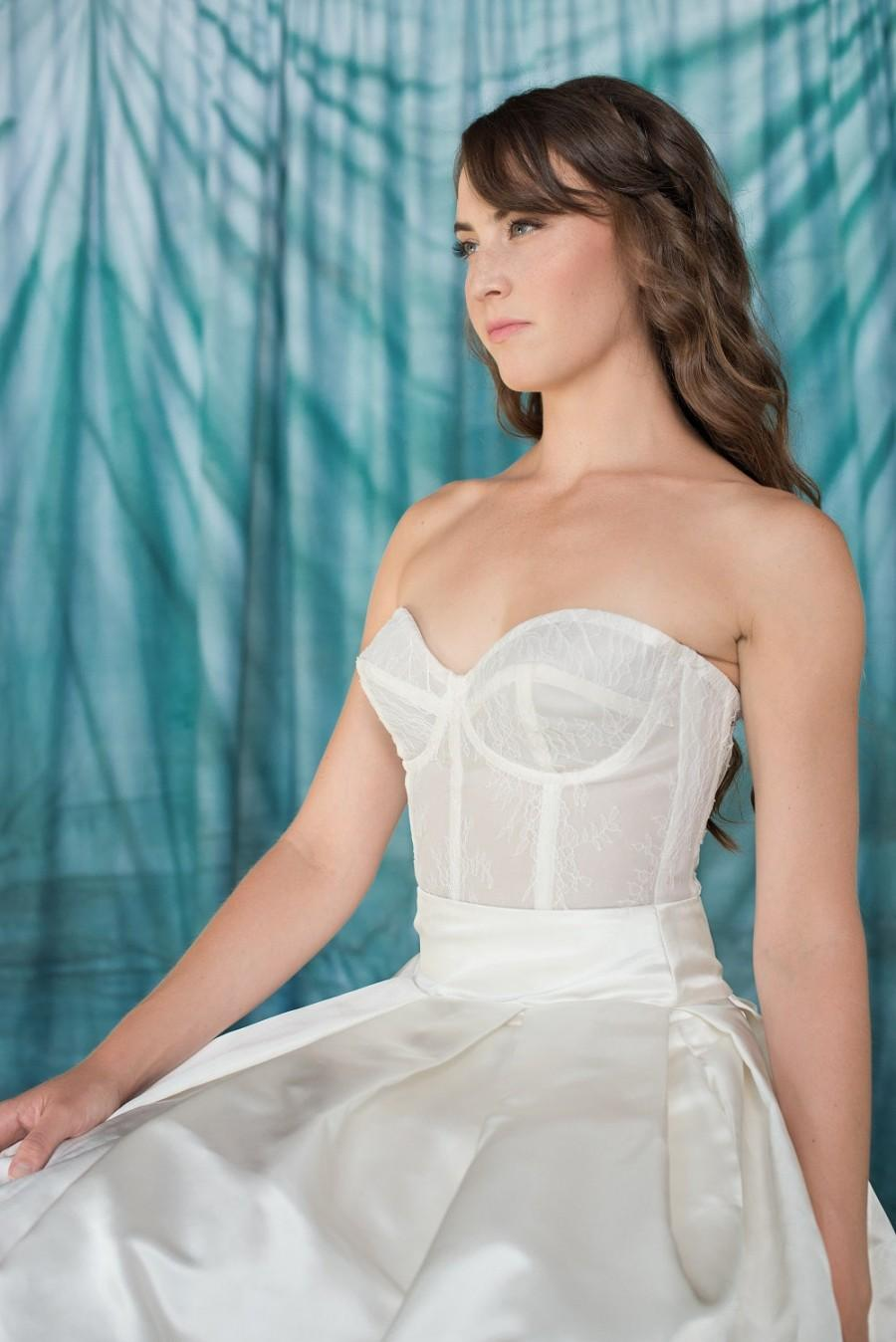 Mariage - Chantilly Lace Bustier, Silk Organza Corset, Fully Boned, Bridal Corset, Lace bridal corset top with zipper back