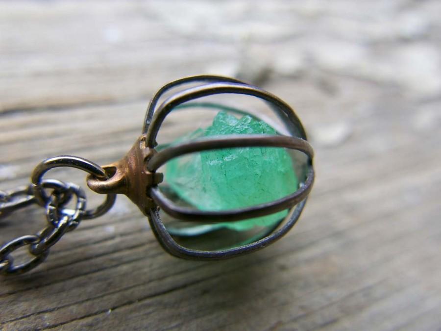 زفاف - Raw Green Necklace Mother's Day Jewelry Emerald Raw Birthstone Crystal May Gemstone Wif Gift Mother Push Present Gift Rough Cage Pendant