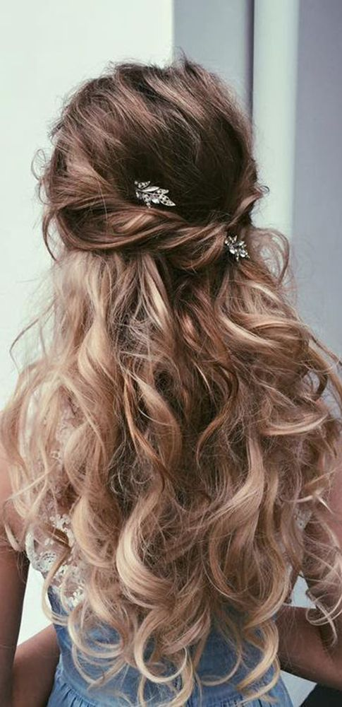 30 our favorite wedding hairstyles for long hair 2710042 weddbook 30 our favorite wedding hairstyles for long hair junglespirit Images