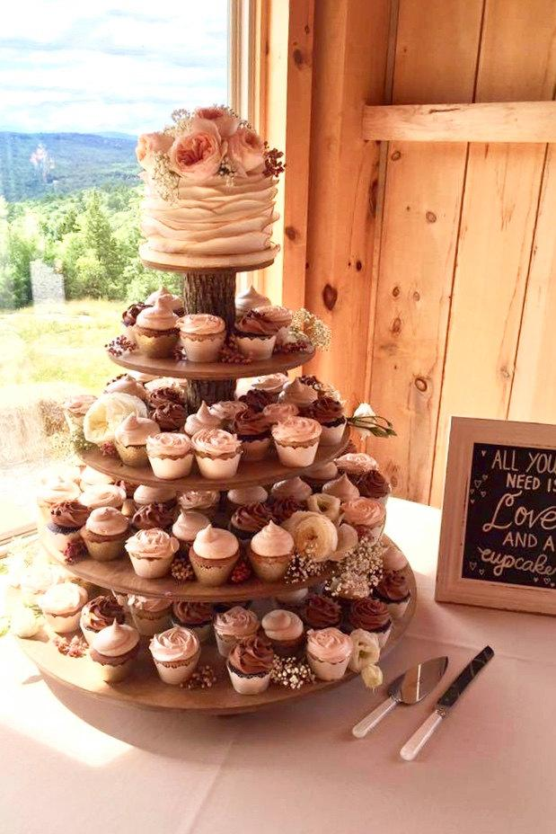 Wedding Cake Cupcake Holder