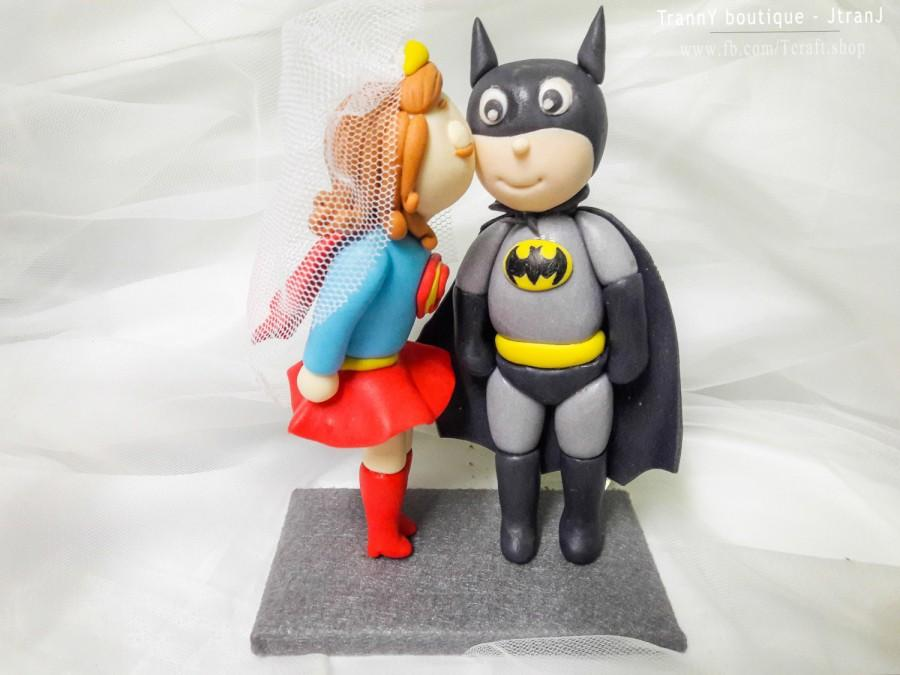 Mariage - Superwoman and Batman Wedding Cake Topper with Stand/Customizable