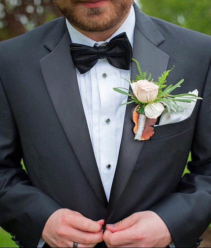 Свадьба - BATTLEWOODmaterial              GROOMZITA (Manzanita wood boutonniere)