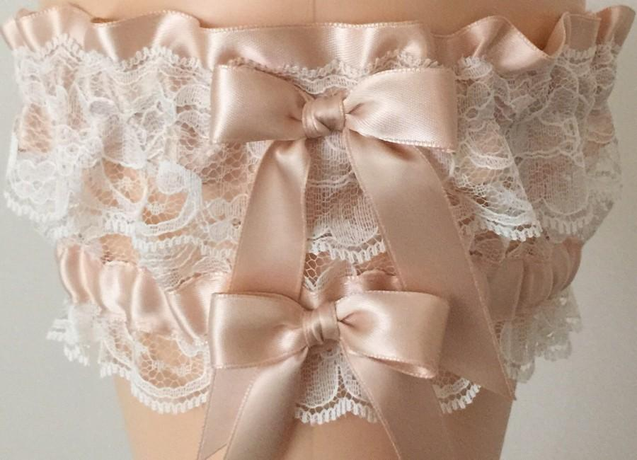Свадьба - Blush and Ivory Lace Wedding Garter Set, Bridal Garter, Prom Garter, Blush Pink Lace Garter, Keepsake Garter, Garter, Bridal Gift, Lace