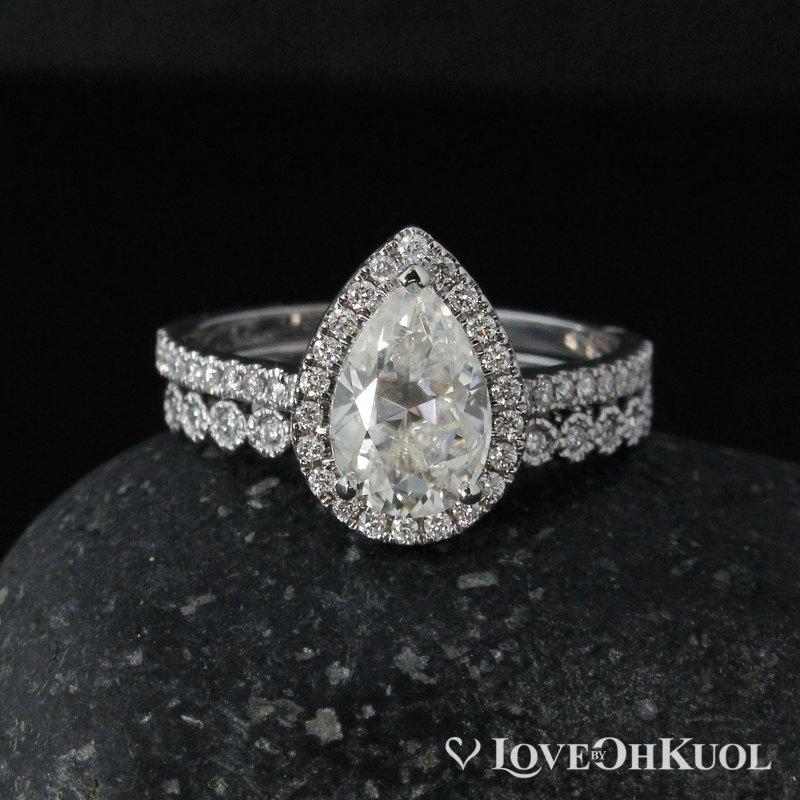 Mariage - Forever One Moissanite Teardrop Ring - Engagement Ring - Diamond Wedding Band