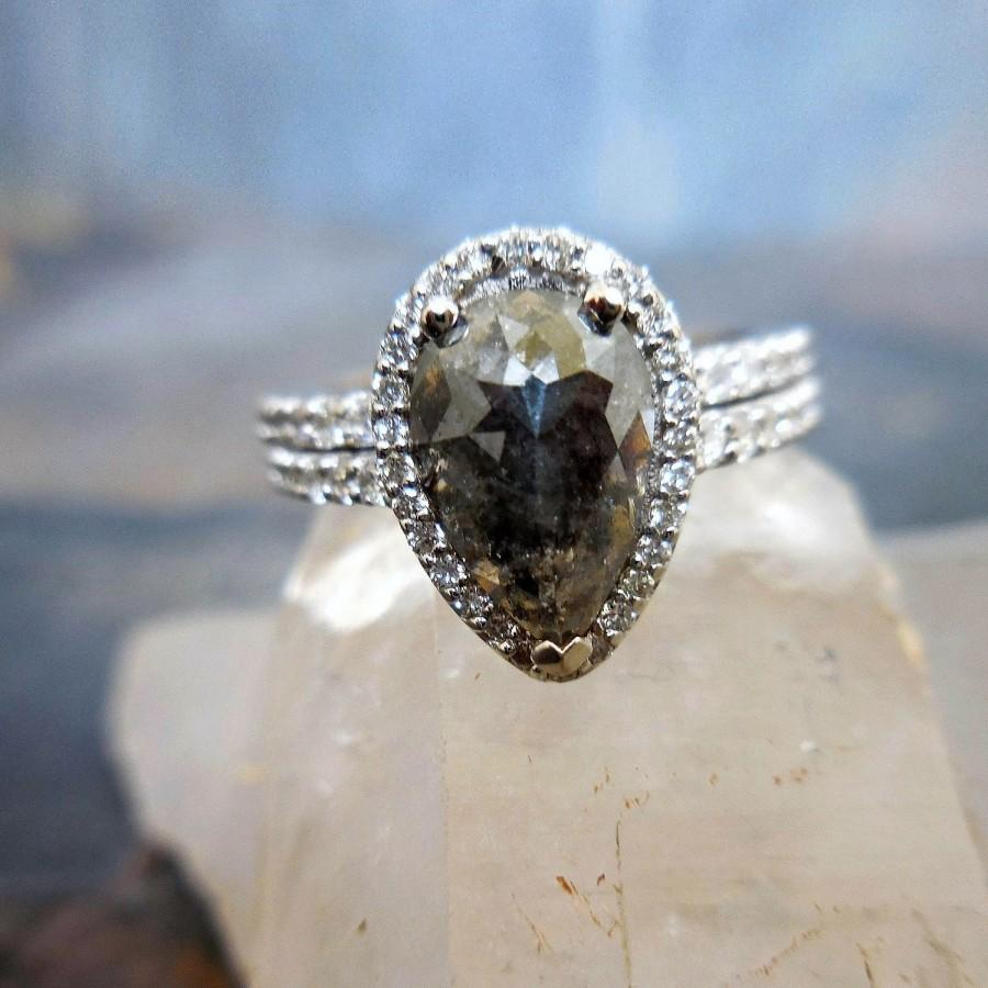 Mariage - Diamond Engagement Ring - Custom, Made to Order, Pear Shaped, Halo, Tear Drop, Unconventional Modern Bride, Natural Diamonds, Pear Diamond