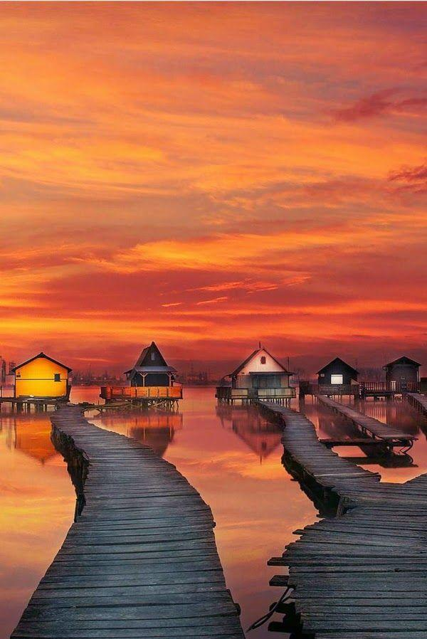 Hochzeit - Travel Gallery: Fishing Houses On Water In Bokod Lake, Hungary