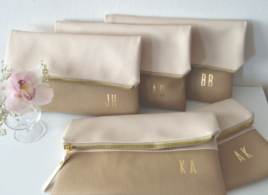 Mariage - Set of 5 Personalized Clutches / Bridesmaids Gift / Monogrammed Clutch Purses / Gold Initials