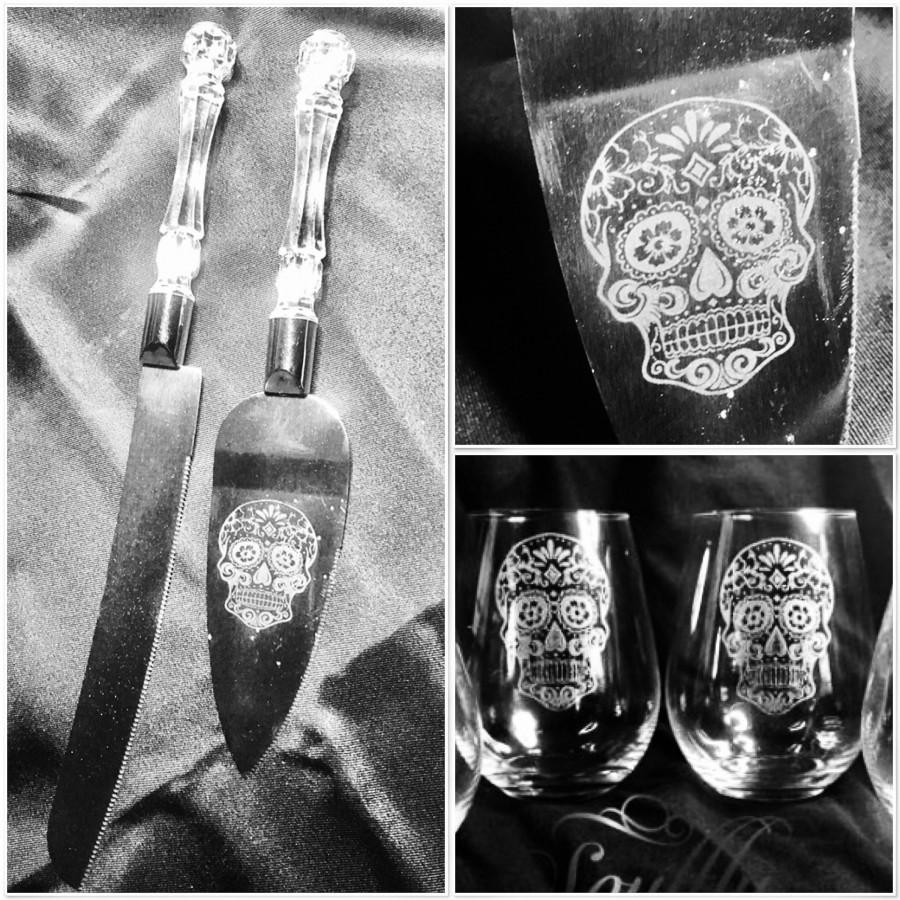 Свадьба - SUGAR SKULL wedding cake server and glass set, day of the dead, gift, personalised, crest, dia de los muertos, toast champagne, wine, whisky