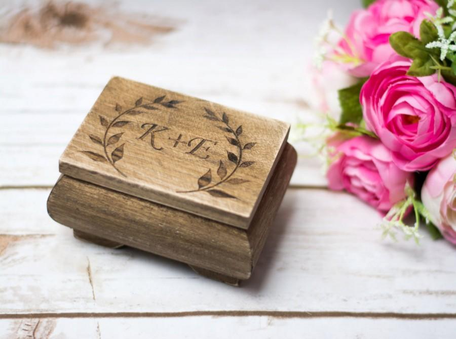Mariage - Personalized Ring Box Moss Rustic Wedding Ring bearer Wooden Ring Box Country Wedding Leaves Branches