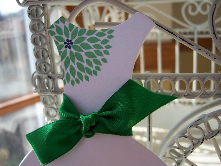 زفاف - Floral Die Cut Dress Bridal Shower Invitation-Customize your Colors*