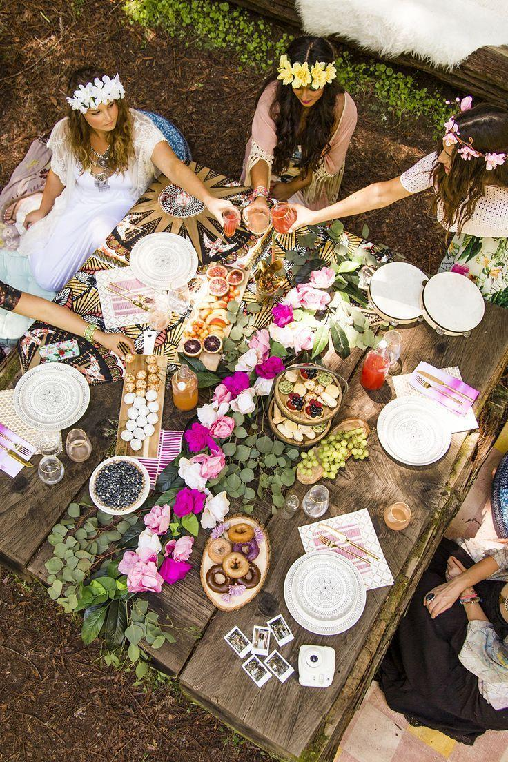 Hochzeit - 12 Must-Haves For A Picture-Perfect Boho Bridal Shower