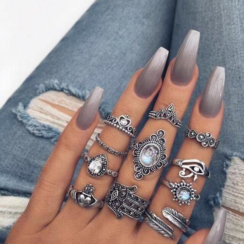زفاف - 15 Showstopping Gray Nails