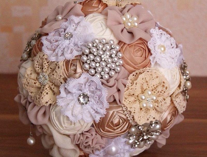 Hochzeit - Brooch Bouquet. Brooch bouquet, handmade wedding, wedding Ivory, Ivory Fabric Bouquet, Vintage Bouquet, Rustic Bouquet, Unique Wedding