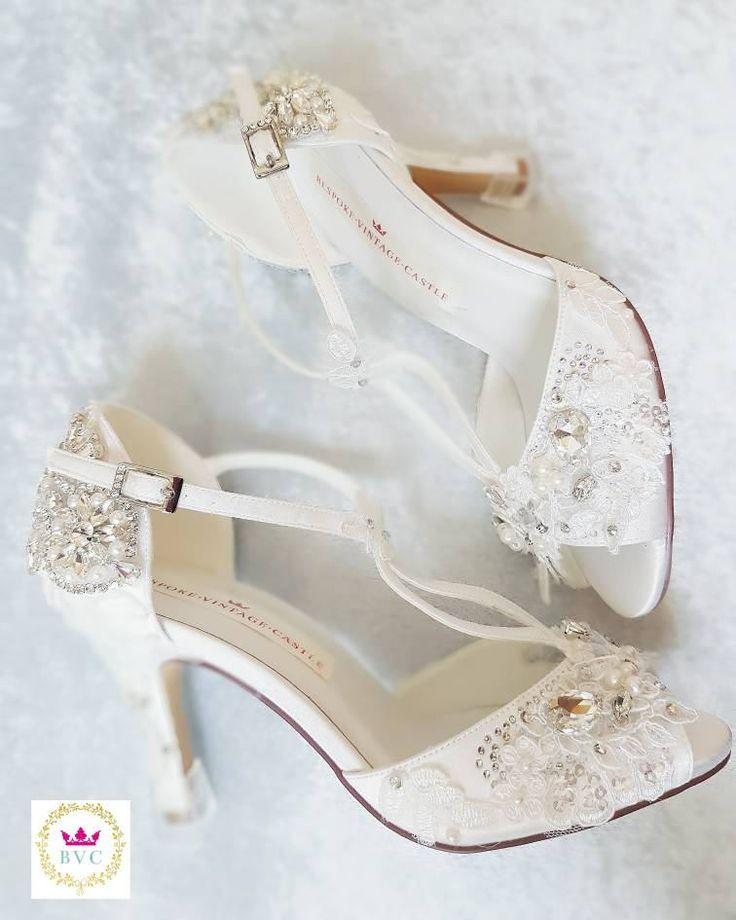 Wedding - Bridal Shoes, Peep Toe Shoes, Vintage Shoes,bridal Shoes, Ivory Shoes,wedding, Bride Shoes, Crystal Shoes,pearls, Shoes