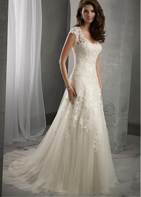 Elegant Tulle Scoop Neckline Natural Waistline A Line Lace Wedding Dress
