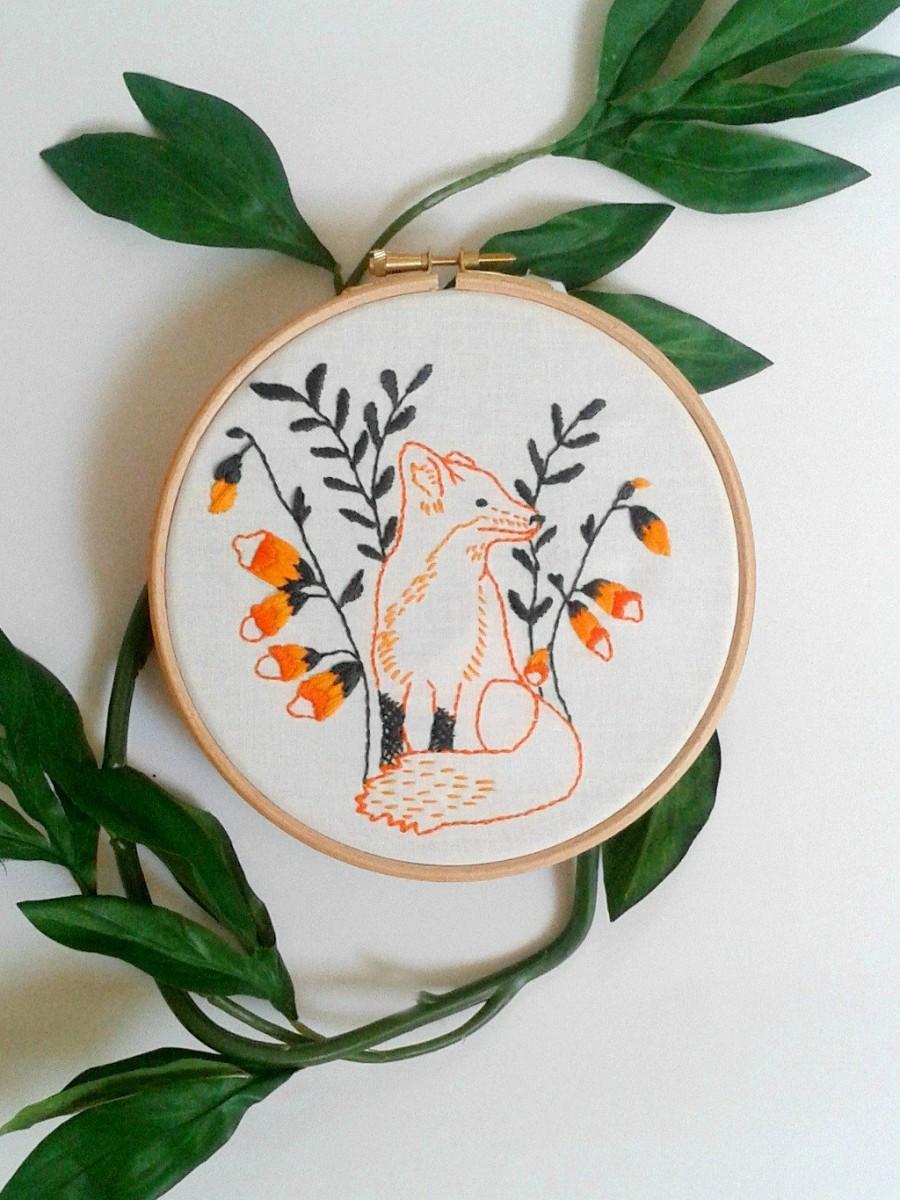 Wedding - Fox embroidery pattern. PDF pattern. Printable. Woodland animal design. Fox and foxglove flowers. Fox hoop art. DIY  wall art. DIY decor