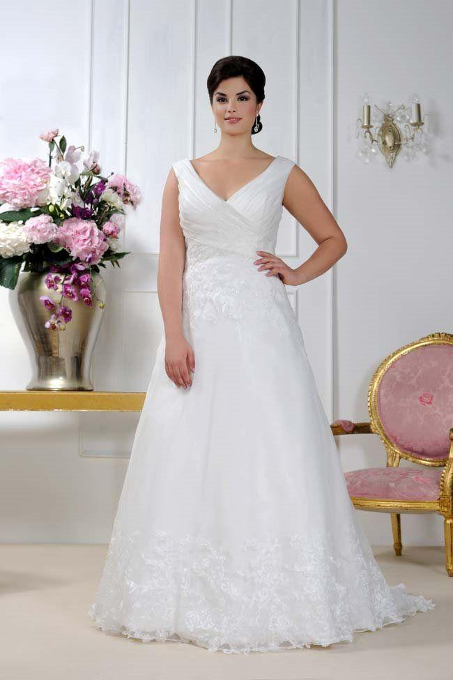 96c49116f3e2 Fabulous Sonsie Wedding Dresses For Curvy Brides #2716075 - Weddbook