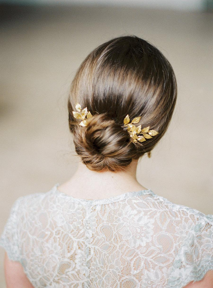 "Mariage - Gold bridal pins- Gold leaf headpiece-Bridal- Gold leaf pins-Swarovski pins-Swarovski headpiece-Hair pins- Crystal pins- TWRA ""PRIMULA"" Pins"