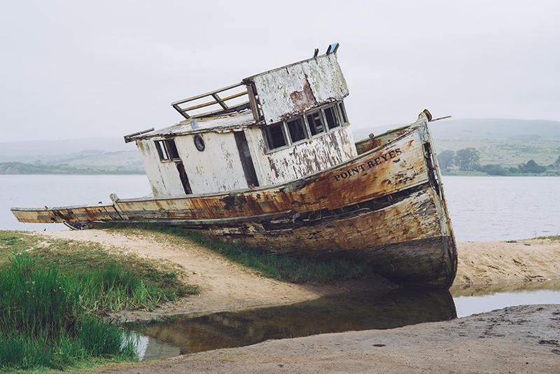 Hochzeit - Point Reyes, Boat Photography, Boat Picture, Shipwreck, Fishing Boat, Point Reyes Print, California, Ocean Photography, Fine Art Photography
