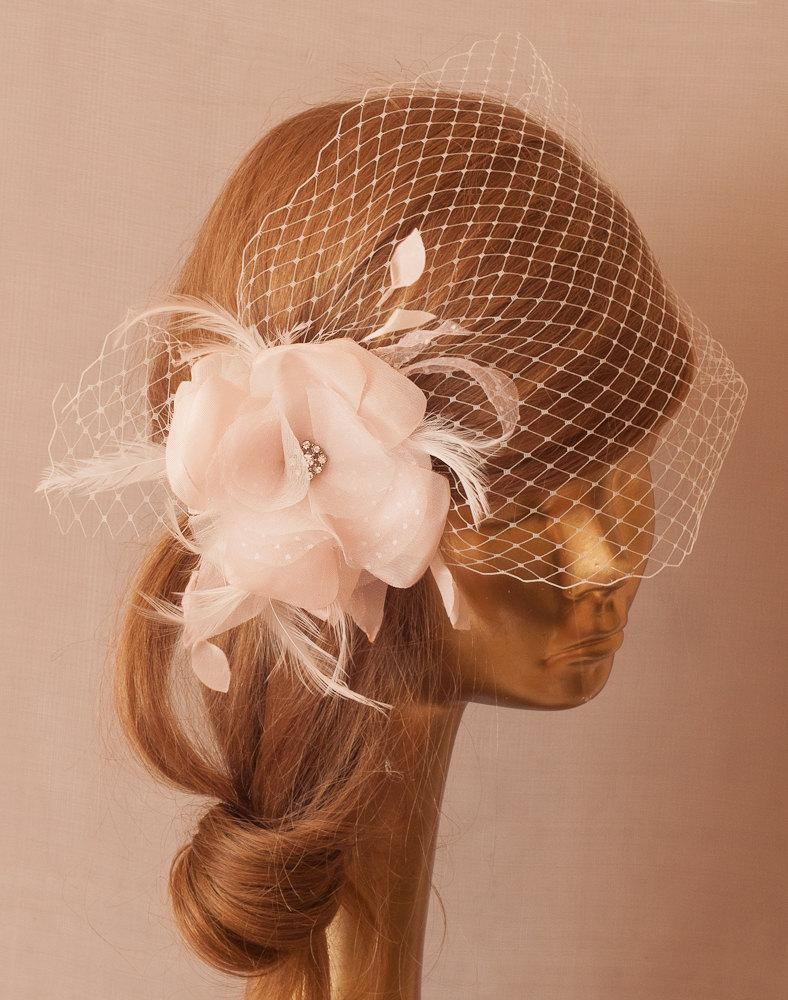 Mariage - BIRDCAGE VEIL with Pale Pink Flower and Rhinestone Brooch.Fascinator with Veil