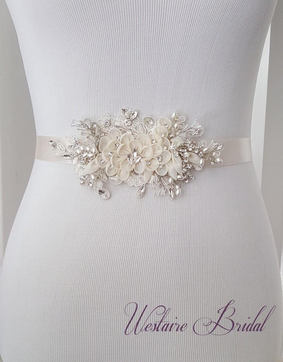Mariage - Floral Wedding Sash, Bridal Belt, Custom Wedding Belts and Sashes - Style 789