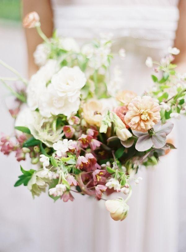 Свадьба - Fritillaria Wedding Flowers Are In Season Now—and They're Beyond Gorgeous