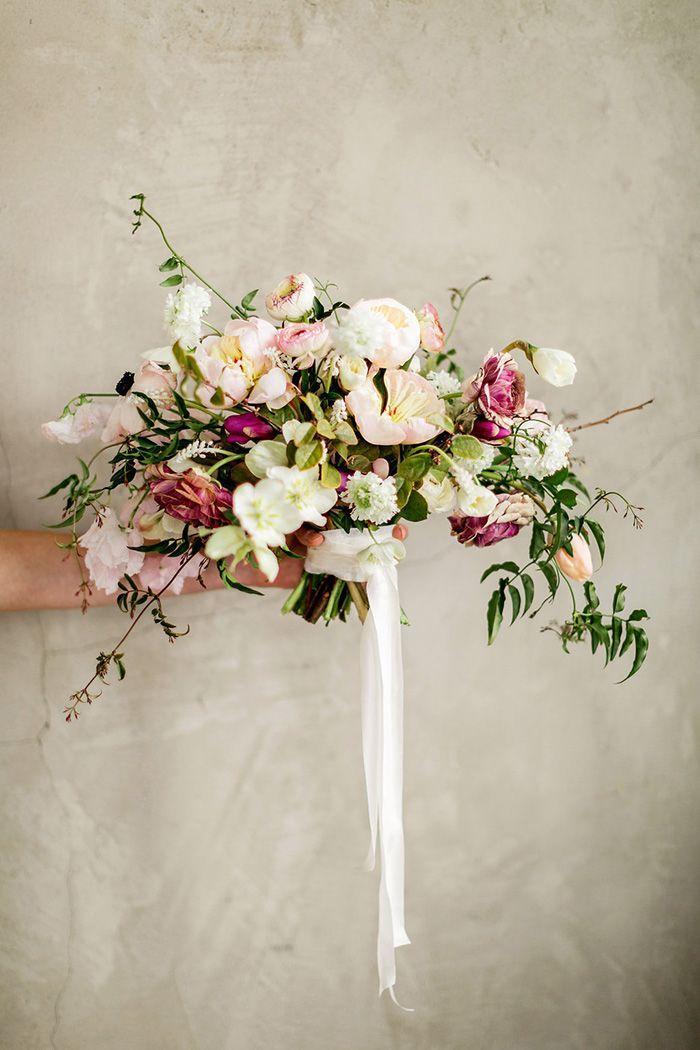 Hochzeit - Enchanting Wedding Flowers In Peach And Plum