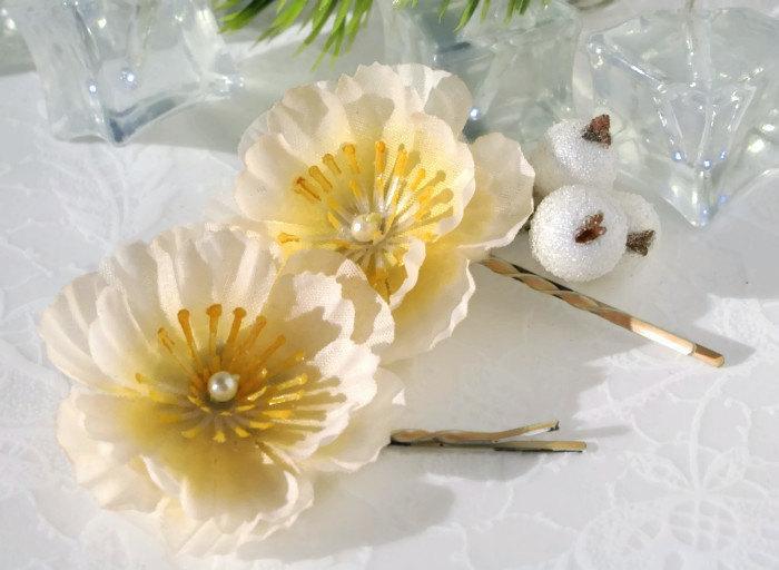Mariage - Cream Flower Bobby Pins Festive Hair Pins Christmas Hair Accessories Wedding Hair Accessories Flowers Ivory Wedding Flowers Pin Bridal