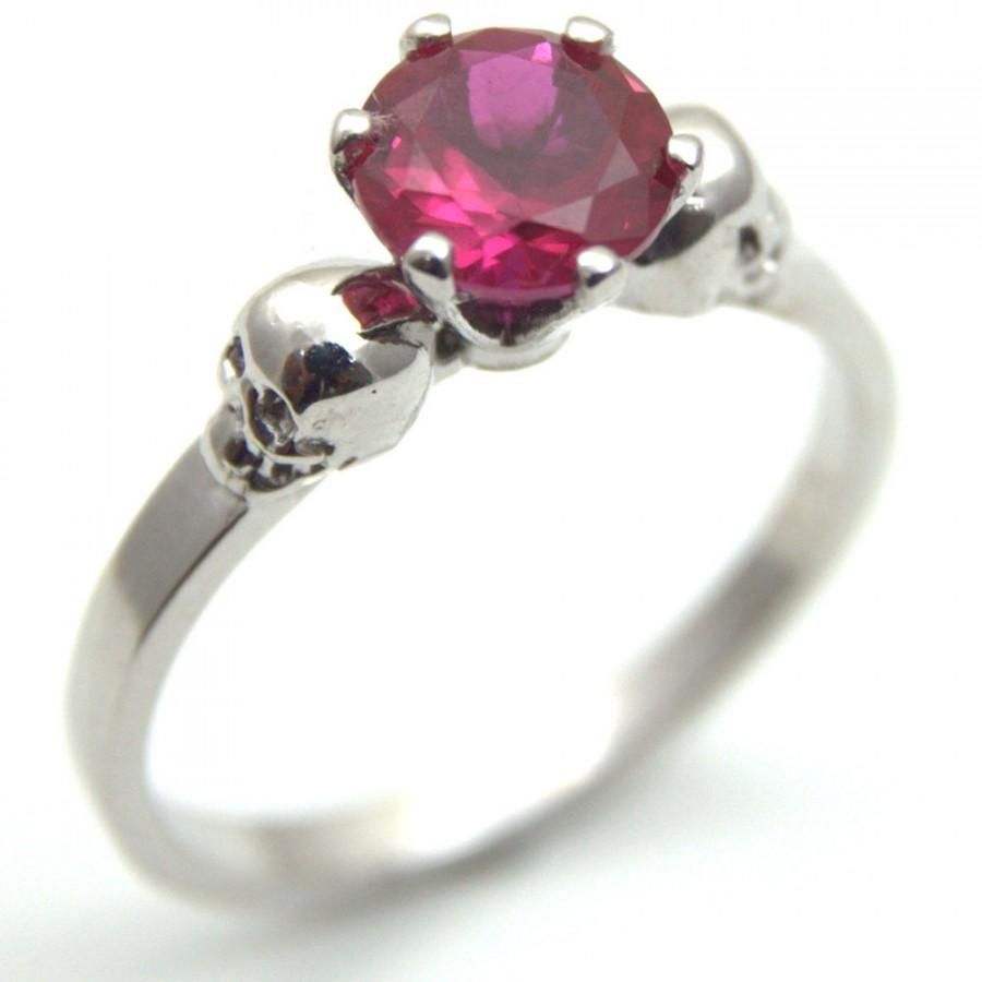 Mariage - Skull Ring Silver 1ct Round Brilliant Cut Ruby Hand Crafted Engagement Ring 6 Claw