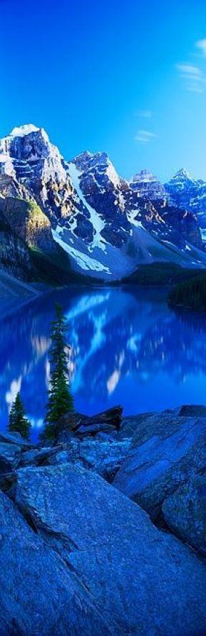 Boda - Mountains Reflected In Moraine Lake, Canada