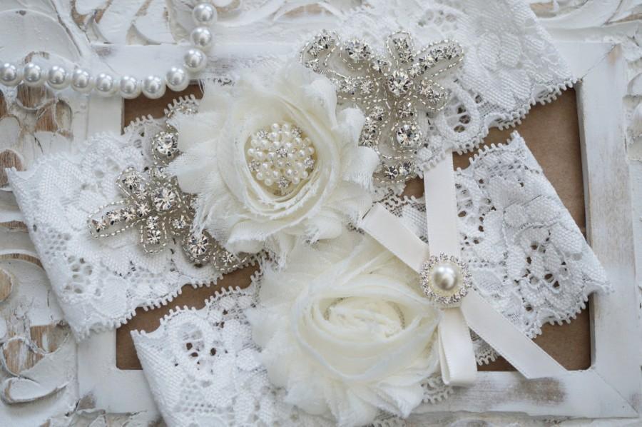 Свадьба - Wedding Garter Set, Bridal Garter Set, Vintage Wedding, Ivory Lace Garter, Crystal Garter Set, Ivory Bridal Garter