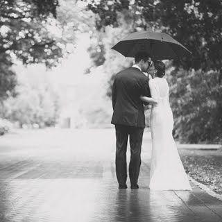 Hochzeit - Rainy Wedding Photos